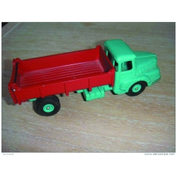 KIT CODE 3 UNIC REMOVAL TRUCK 1/55th Scale